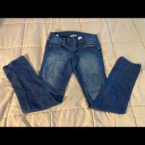 "❤️Paris Blues stretch jeans size 9 w/31"" inseam"